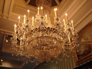 Chandelier_at_Chatsworth_House