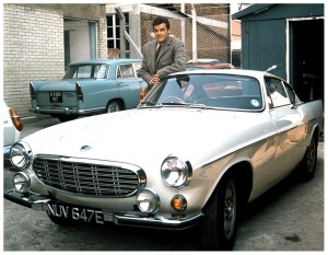 roger-moore-as-the-saint-with-his-volvo-p1800